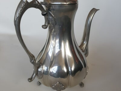 Wasser- /Kaffee- / Teekrug aus Zinn