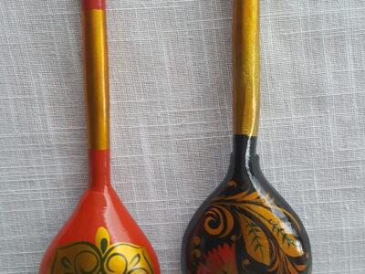 2 russische Holzlöffel 19 und 20 cm