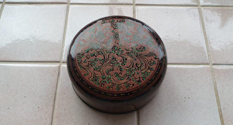2 Behälter mit je 6 Glasuntersatz aus Burma