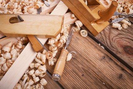 Baumaterial & Werkzeuge